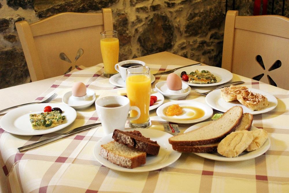 Medieval Castle'ın kahvaltısı