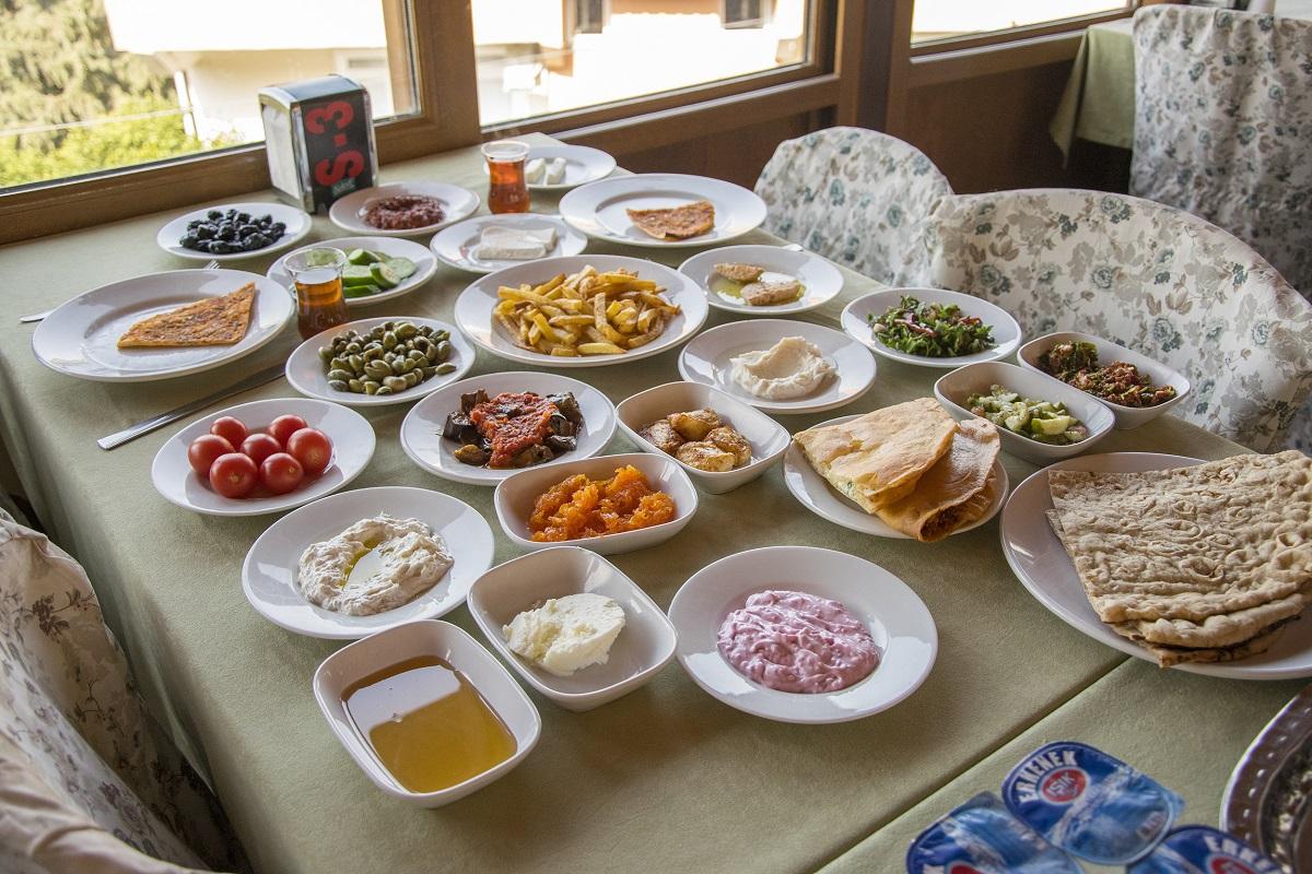 Harbiye Yusuf Dayı Kahvaltı Salonu